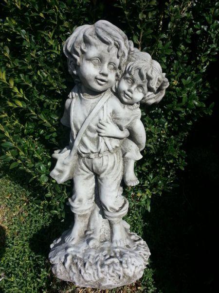 Gartenfigur Mädchen und Junge