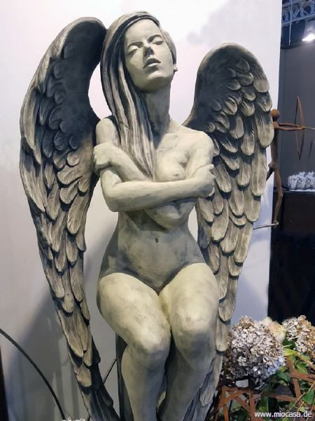Engel ELOA aus Steinguss