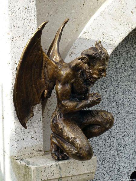 Bronzeskulptur Teufel
