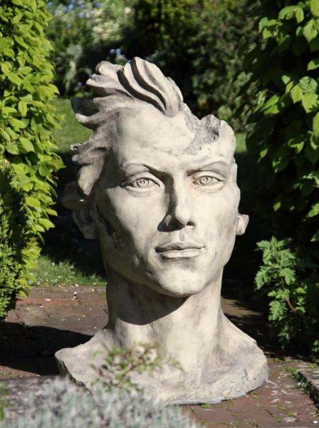 Gesicht Mann mit Haar Steinguss