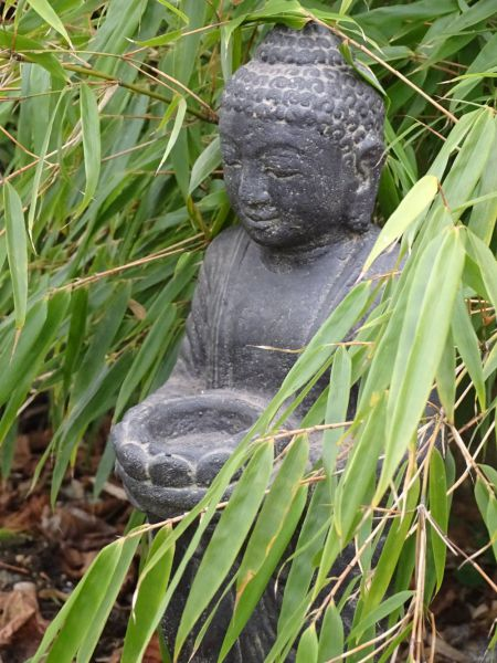 Steinfigur Buddha stehend mit Schale