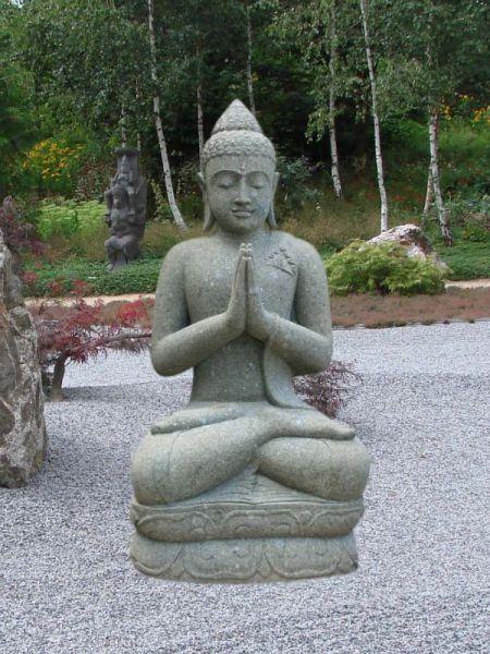 Buddha aus Naturstein - Handgeschlagen aus Basanit